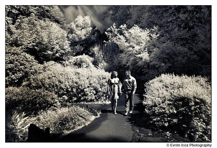 Portland Engagement Pictures at a Park