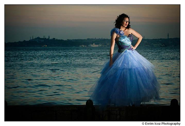 Istanbul Turkiye Model resimleri Fashion Pictures featuring Topkapi Museum and Bosphorus