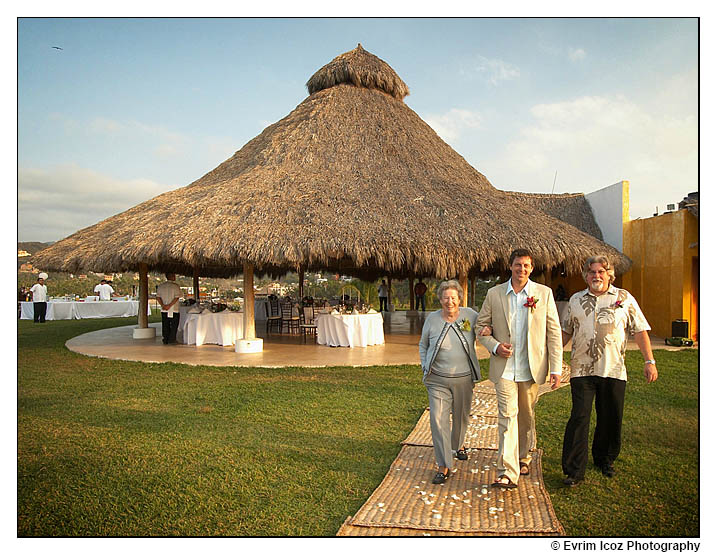 Sayulita palapa wedding